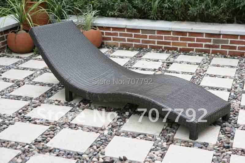 2017 Hot Sale SG 12007C Elegant Black Rattan Deck Chair Furniture