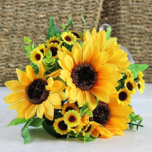 1 Bouquet Lifelike Artificial Sunflower Artificial Plastic Sunflower Heads Home Party Decorations Props New 7 Flowers
