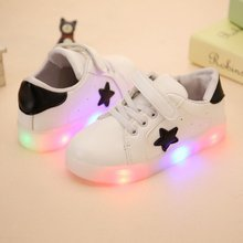 2017 LED Child Sneakers Start Parttern Auwumn Kids New Kids Colorful Flashing LED Light Girls Casual Shoes Stars Boys Shoes