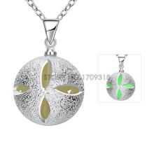 YGN070-A 2016 New Fashion Silver Clover Ball Noctilucent Pendant Necklace Popular Collier Bijoux Hot Lady Girl Jewellery Items(China)