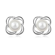 2017 fashion queen women brand design wedding party gift simulated pearl flower czech crystal round stud earrings jewelry 29163