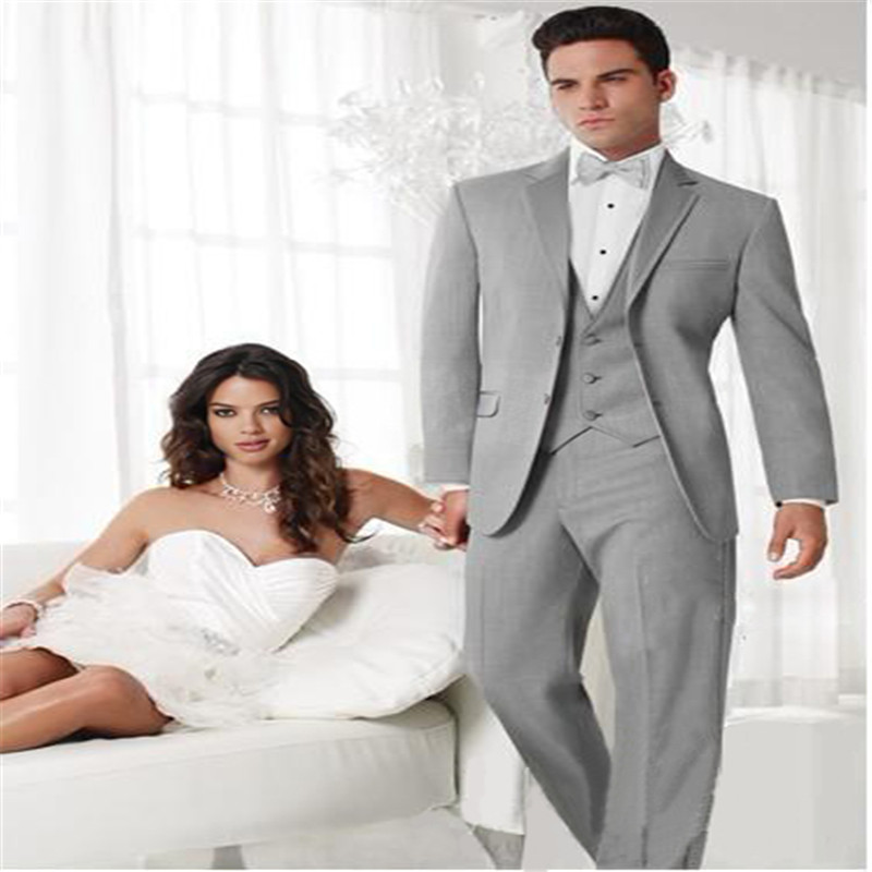 New Style Two Buttons Light Grey Groom Tuxedos Best Man Notch Lapel Groomsmen Men Wedding Suits Bridegroom (Jacket+Pants+Tie+Ves