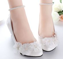 White wedding shoes for women beading pearls ankle straps bracelet female ladies bridal pumps shoes handmade party shoe(China)
