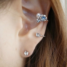 An Ear Clip - Fashion Lady Elegant Pearl Rhinestone Stud Earrings Charm Jewelry For Women set
