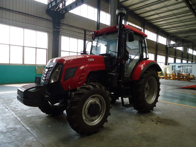 130hp 4wd tractor  (12)