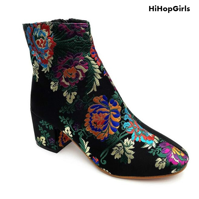 HiHopGirls New Winter Women Pumps 2017 new Square Heel Floral Embroider Round toe retro printing thick with boots woman shoes<br>
