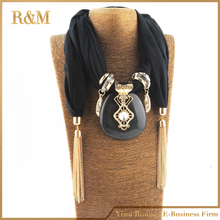 New Arrivals Fashion Women Alloy Square Pendant Scarf Necklace Wrap Jewelry Luxury Feminina Warm Cotton Scarves Necklace Women