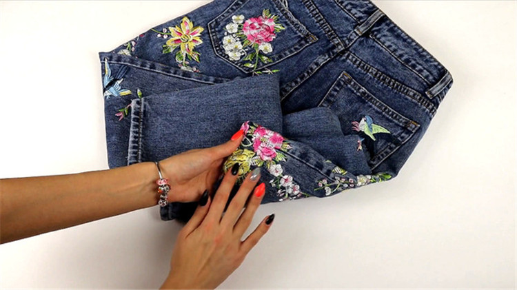 2018 Women's Three-dimensional 3D Heavy Bird Flower Embroidery High waist Slim Straight jeans Large yards (16)