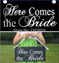 "30cm*20cm Vintage Shabby Chic Wedding Sign ""Here Comes the Bride"" Flower Girl Signs Wedding Party Photo Props Wedding Backdrops"