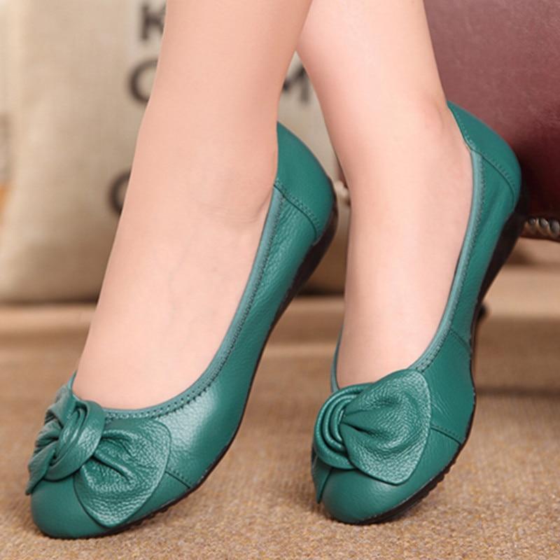 12 colors Plus size(34-43)2014 new Spring comfortable women genuine leather flat shoe female casual nurse work shoes women flats<br><br>Aliexpress