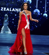New Arrival Sweetheart Appliques High Split Red Evening Dresses Long Miss World Dress