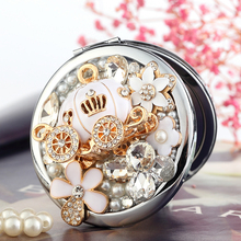 Free Engraving,bling Crystal Mini Beauty makeup compact pocket mirror makeup,pumpin car flower,wedding party bridesmaid gifts(China)