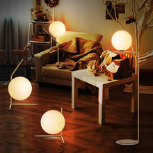 Nordic Flos IC Table lamp Moden Glass Ball LED Stand Lamp Creative Table Light For Study Room /bedroom E14(China)