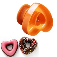1 piece Plastic Heart-shaped Donuts Mold Doughnuts Cutter Cake Cookie Desserts Making Mould Baking Tool