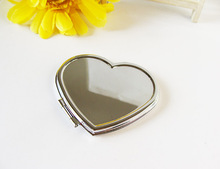 50Pcs Personalized Wedding Gift And Favor For Guest With Purse Bag Customized Heart Make-Up Mirror Baby Bridal Favour Party Boda(China)