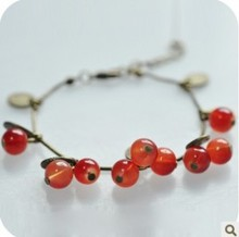 SL027  European and American fashion retro red sweet cherry beautiful charm bracelet for women jewelry
