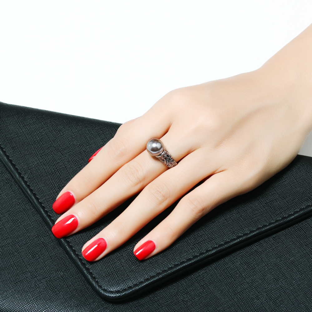 ring with gray pearl (2)