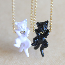 hot sale Japanese popular black white cat necklace simple 3d cute lovely animal pendant necklace gold chain for women jewelry(China)