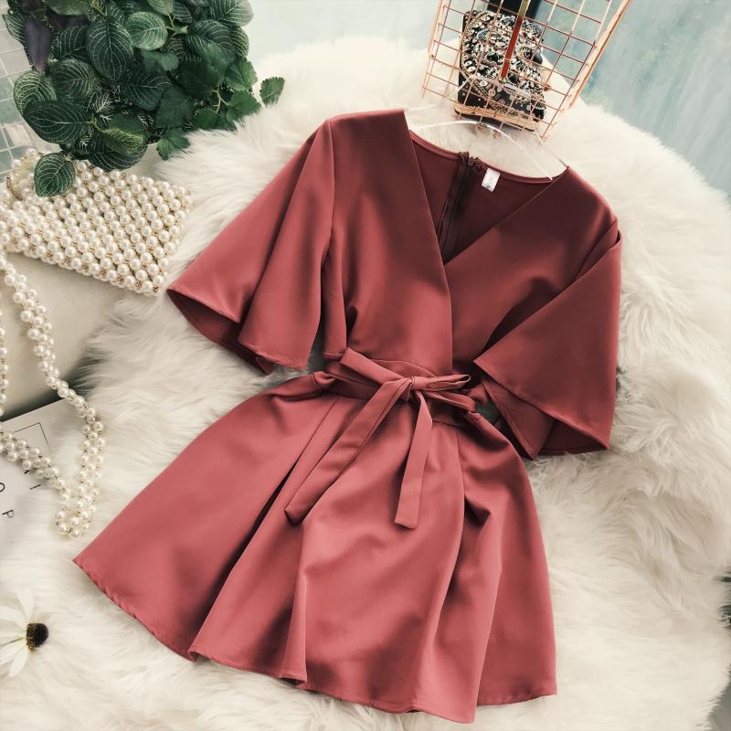 2018 Summer Jumpsuit Woman Pure Color Temperament V Collar Short Sleeve High Waist Slim Playsuits Ladies Playsuit 32