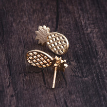 Fashion pineapple stud earrings, small wire drawing with pineapple surface stud earrings for women wholesale
