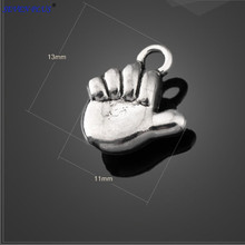 High Quality 50 Pieces/Lot 11mm*13mm Antique Silver Plated Diy Baby Charm Fist Baby Hand Charms For Jewelry Making
