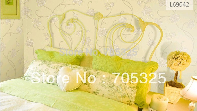 New European Vintage Luxury Damask Wall paper PVC Embossed Textured Wallpaper Rolls Home Decoration Gold Silver White C-12999<br><br>Aliexpress