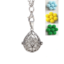 Clearance Stereo Heart Pendant Long Necklace Flash Necklace Four Flashlight Color Available Shining Ball Inside Fashion 2017(China)