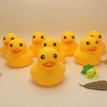 New Lovely Yellow Duck Baby Kids Race Bath Floating Squeaky Rubber Duck Toys