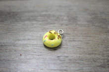 30pcs/lot 15mm yellow Kawaii love sprinkle candy Cake Doughnut Donut charm DIY Cell Phone Deco Jewelry Making Finding Key chain