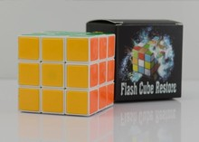 Free shipping ITmagic magic tricks magic cube Flash Cube Restore / close-up street magic gimmick(China)