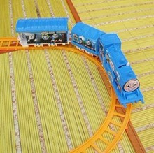 Thomas and train electric eight rails cars 8 tracks Friends Mini Electric Train Set Toy Vehicles toys for children