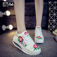 Plus size fashion flowers spring Casual canvas embroidery shoes women wedge heels sexy white flat shoes platform zapatos mujer