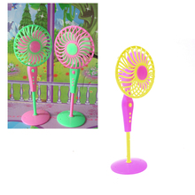 Cute Mechanical Fan Toys for Barbies Classic Kids Play House Toys Doll Accessories Random Color Fan Furniture for Barbie Dolls(China)