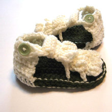 free shipping, Cute Crochet Baby shoes, white Baby boys sandals ,Gladiator sandals.handmade knitting baby sandals(China)
