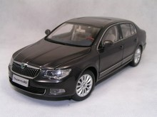 2012 Brown 1/18 Skoda SuperB Diecast Model Car Metal Simulation Scale Model Aluminum Die casting Products