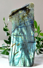 Hot Sale Natural Labradorite Healing Stone Carved Crystal Healing Crystal Stone For Decoration
