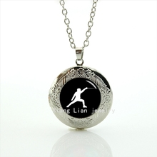 Collares Collier The Newest Fashion Accessory Locket Necklace Fencing Pendant Sports Events Wedding Gifts, Groom Jewelry T380