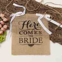 Fabric Burlap Banner Natural Jute Khaki Here Comes The Bride Flags For Wedding Celebration Decoration 220x220mm