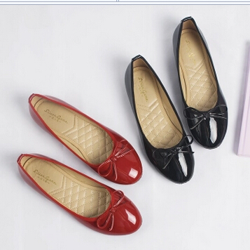 2017 brand new fashion women flats shoes for spring PR010 bright patent leather bow round toes flats for female black red<br>