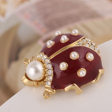 Europe and the United States Jewelry Enamel Glaze Gem Pearl Ladybug Brooch Insect Scarf Deduction(China)