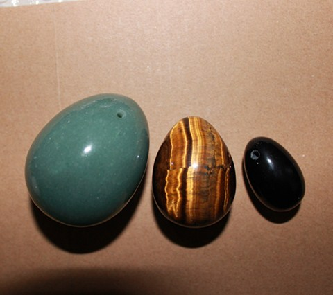 new arrival natural green jade tiger eye and obsidian material yoni eggs for women <br><br>Aliexpress