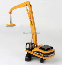 New crane model scale 1:87 ABS Alloy Diecast  magnetic force and gripper caterpillar Engineer Machine model vehicle toy