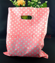 Wholesale 50pcs/bag White Round Dots Pink Plastic Bags 25x35cm Shopping Jewelry Packaging Bags Plastic Gift Bag With Handle