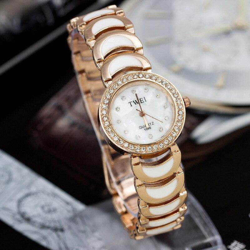 2016 New brand fashion Rhinestones quartz watch famous women clock Elegant women Watch Crescent Bracelet watch relogio feminino<br><br>Aliexpress
