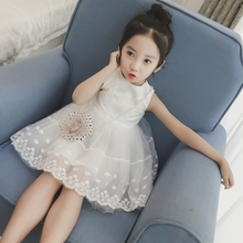 2017 Summer New Style Little Girls Fashion Cute Lace Tulle Princess Dresses Baby Kid Embroideried Gauze Vest Dress Sundress A180