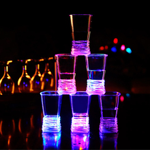 YANXIN Creative Colorful  LED Flashing  LED Luminous Whiskey Wine Vodka Bars Sensor Cup Birthday Party Festival Wedding Club Mug