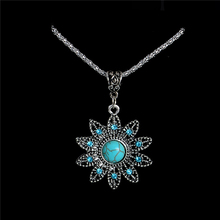 H:HYDE Nice Shipping Vintage Style Hollow Crystal Flower Shaped Pendant Retro Natural Stone Necklace Beautiful Women Gift