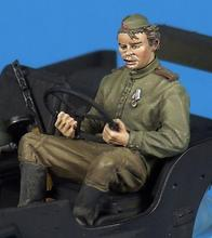 New Unassembled 1/ 35 Soviet crew soldier drive car   Figure Resin Kit DIY Toys Unpainted kits