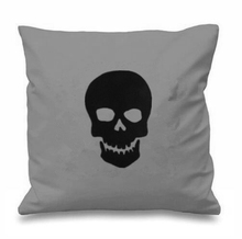 Black Skull Decorative Cushions Cover Retro Pirate Skull Throw Pillow Case Gothic Punk Halloween Cushions Cases Gifts Decor 18""