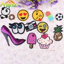 Fashion Design Kids Iron On Cartoon Patches Mix Embroidery Applique Patch Lot Camera Fruit Cute Patches For Clothes Stickers DIY